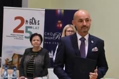 8 Robert Wardziński odbiera nominację na Burmistrza Choroszczy_2_I sesja RM w Choroszczy VIII kadencji_22.11.2018_fot.A.Kulikowska