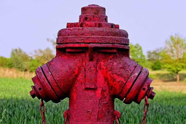 hydrant-763405_640