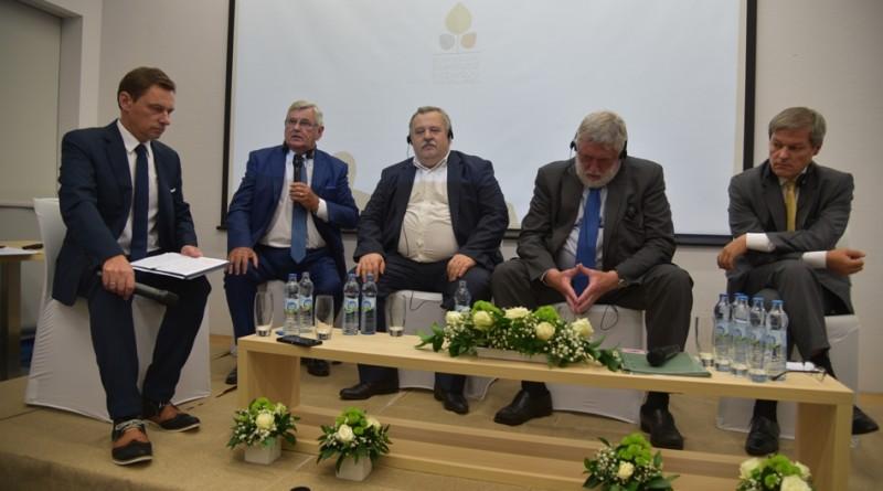 Od lewej Ray MacSharry, Artur Balazs, Franz Fischler i Dacian Ciolos