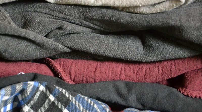 clothing-381208_1920