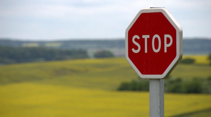 stop-634941_1920