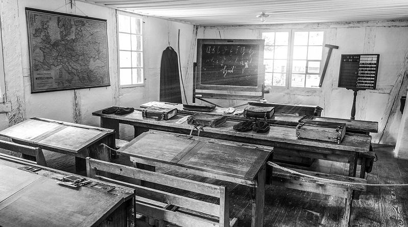 classroom-2196663_1280